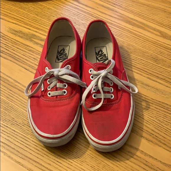 ee757f48aef7 Authentic style red vans. M 5c7321c4c89e1dc6ff9cecc6